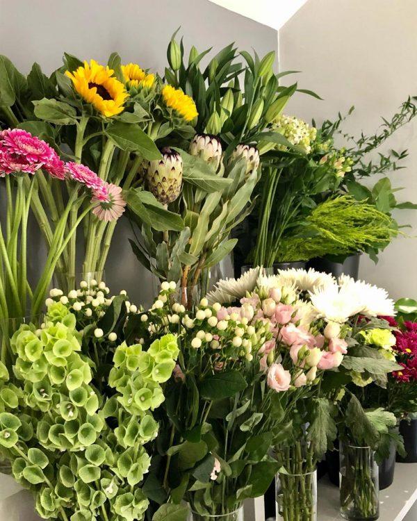 deluxe florists choice bouquet 1